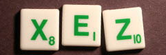 SCRABBLE tile style S01G : White tile with green letter