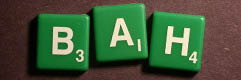 SCRABBLE tile style S34W : Green tile with white letter