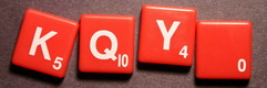 SCRABBLE tile style S70W : Red tile with white letter